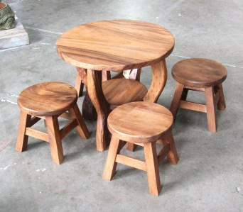 Kids round table and stool set